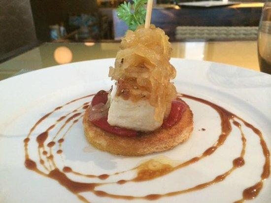 La Candelita: Taco de bonito con pimientos de piquillo y cebolla caramelizada de nuestro menú del día