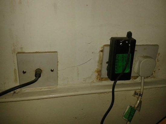 The White Hart Ironbridge: bedroom sockets