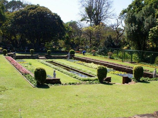 Durban Botanic Gardens: Manicured lawns and beautifully tailored gardens