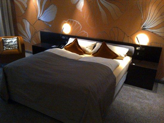 Atrium Hotel Mainz: Bett