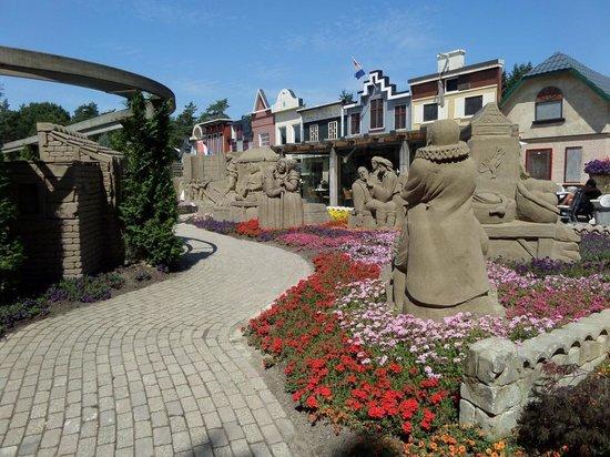 't Veluws Zandsculpturenfestijn : Buitenterrein zandsculpturen.