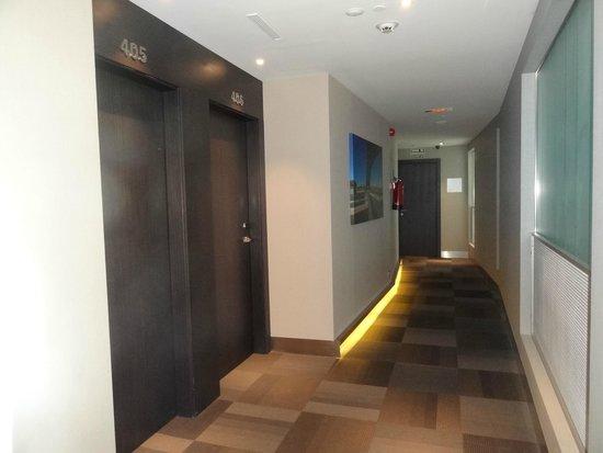 Hotel Eurostars Plaza Mayor: pasillo de acceso a las habitaciones
