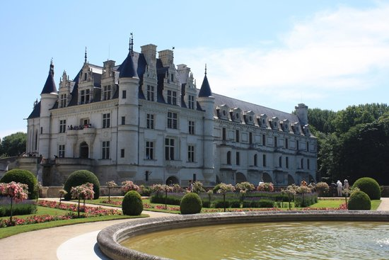 Chateau de Chenonceau: A Picture From One Of The Side Gardens