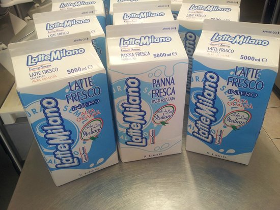 """Gelateria Melaverde 2: DA 10 ANNI SOLO LATTE MILANO!! SOLO LATTE ITALIANO """"ALTA QUALITÀ"""""""