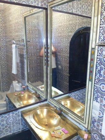 Riad Balkisse : bathroom (Narjesse)