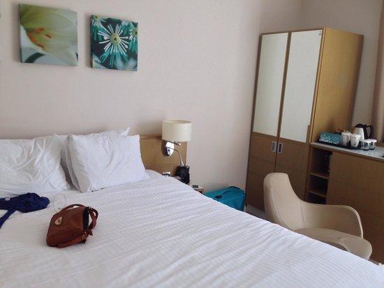 Hilton Garden Inn Bristol City Centre: The room