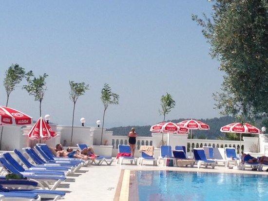 Sunshine Holiday Resort: Nice, quiet pool