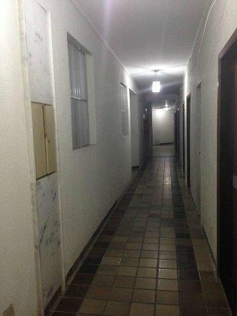 Imira Plaza Hotel: Corridoio