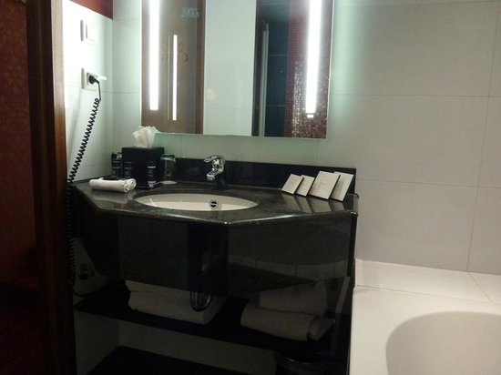 Grand Hotel Amrath Amsterdam: Banheiro