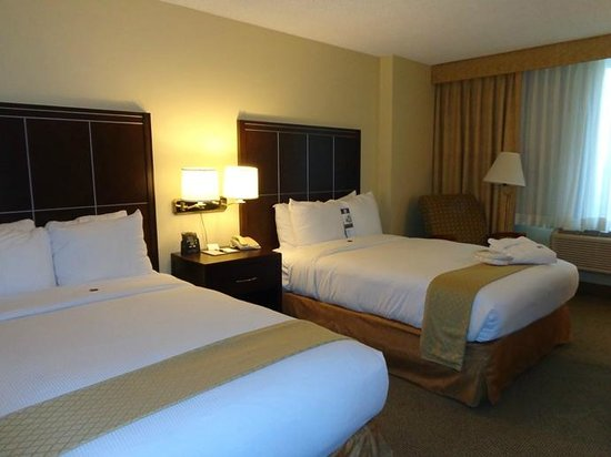 Doubletree by Hilton Hotel Los Angeles - Commerce: beds