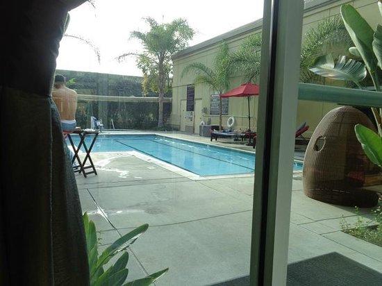 Doubletree by Hilton Hotel Los Angeles - Commerce : pool (did not use)