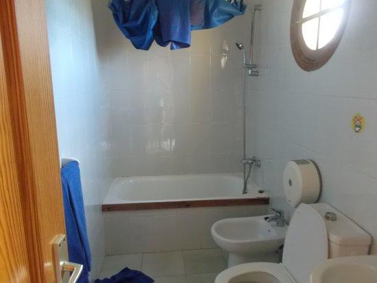 Club Caleta Dorada : bathroom on arrival