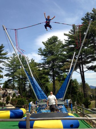 Boots and Birdies Miniature Golf: We love bungy jumping!