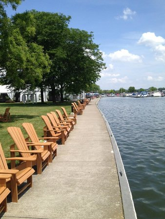 The Sand Bar: Lakefront chairs. Grab a drink and sit here!