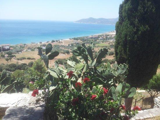 Doryssa Seaside Resort: panorama con Doryssa sulla destra