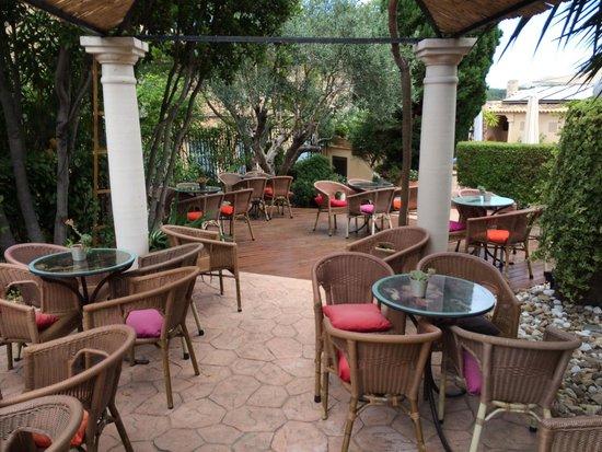 Hotel Sant Salvador: Garten und Innenhof
