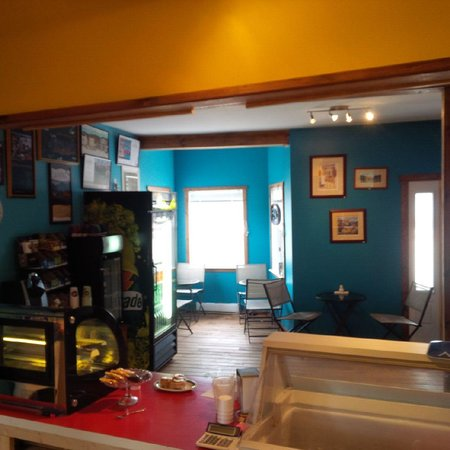 Seaside Deli & Dairy Bar: Our Quaint Seaside Deli Waterfront Woody Point