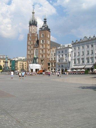 Marktplatz (Rynek Główny): early morning view