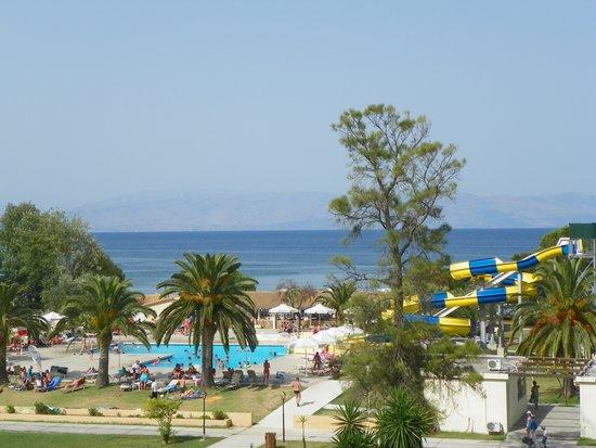 Messonghi Beach Resort : Widok z budynku głównego