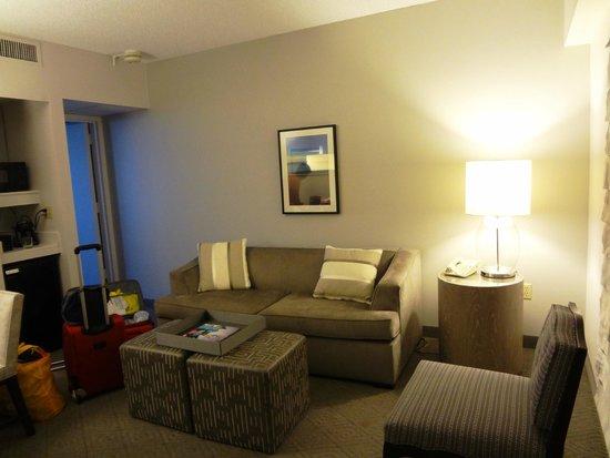 Embassy Suites by Hilton Boca Raton: Livingroom
