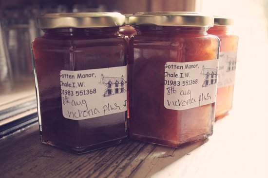 Gotten Manor: Jams made with fruit from the Garden