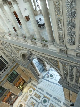 Hotel Art Resort Galleria Umberto: Terrasse inaccessible..