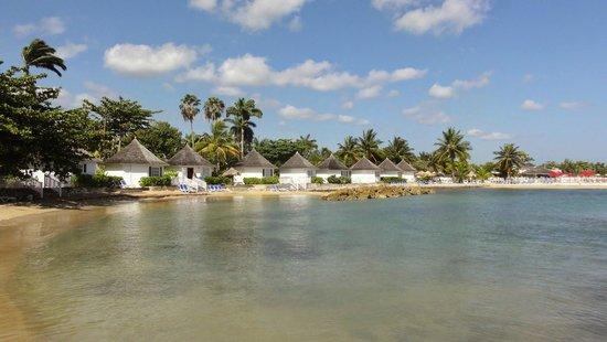 Royal Decameron Club Caribbean : Rooms by the beach