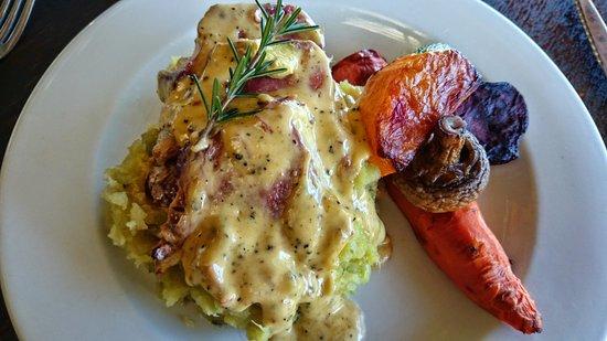 Zucchini Restaurant : Beef Tongue on Sweet potato mash