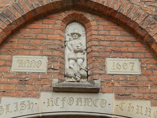 begijnhof - ingresso chiesa inglese riformata