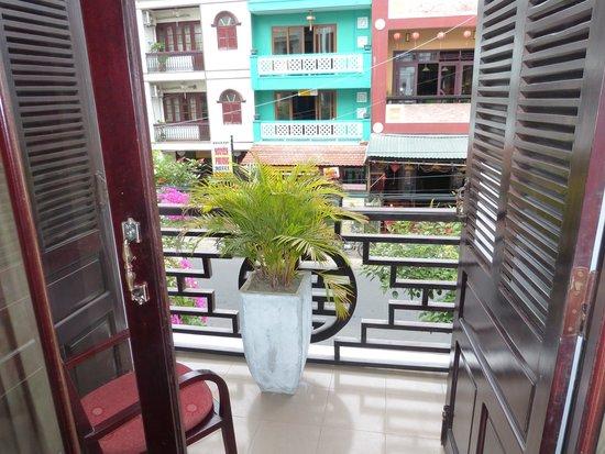 Vinh Hung Library Hotel : Balkon