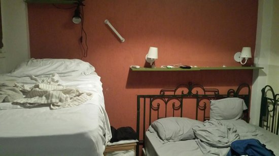 Rio Deal Bed & Breakfast : standard suite for 3 peoples ... ~1000R$ per night