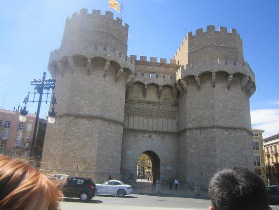 Torres de Serranos : Le Devant