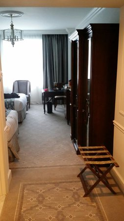 Belmond Charleston Place : One room of the 6th floor suit