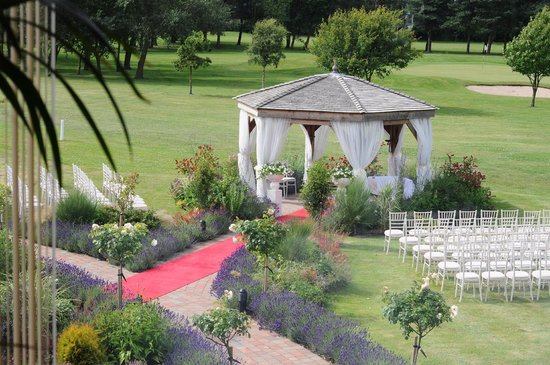 Laceby Manor Golf Club Restaurant and Bar: The gazebo where the wedding took place