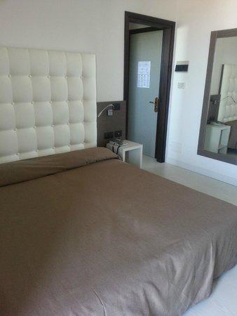 Hotel Europa : Zimmer