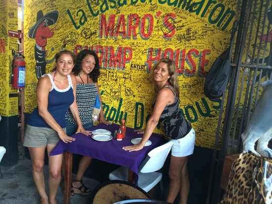 Maro's Shrimp House : Fun place to eat!
