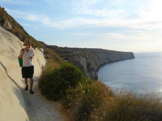 Valley View Villa Retreat: Footpath to Fomm Ir-Rih