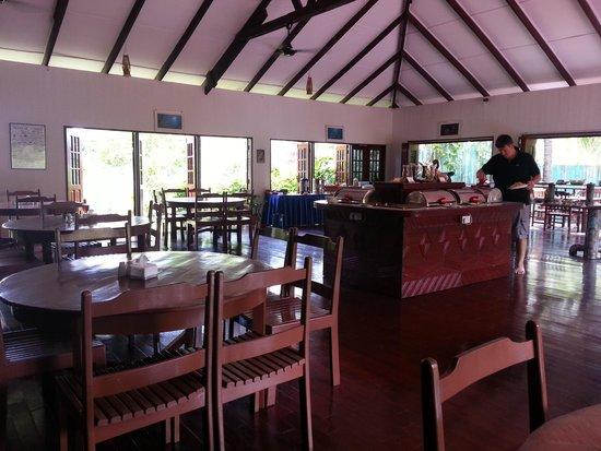 Borneo Divers Mabul Island Resort : dining area