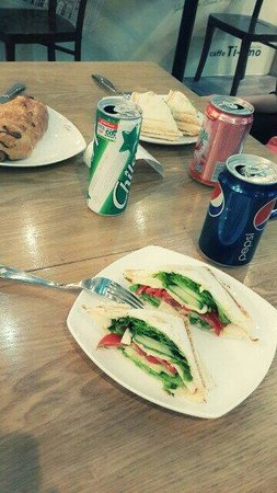 Caffe Ti-amo: Good sandwich