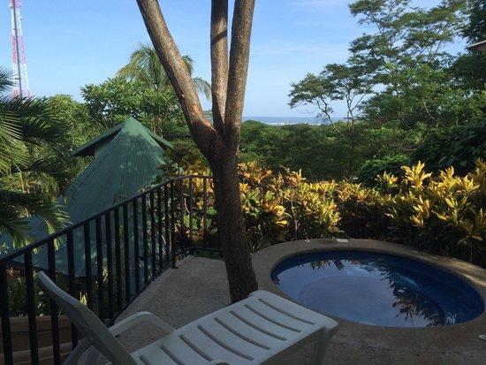 Tamarindo Village Hotel: Spa tub, loved it