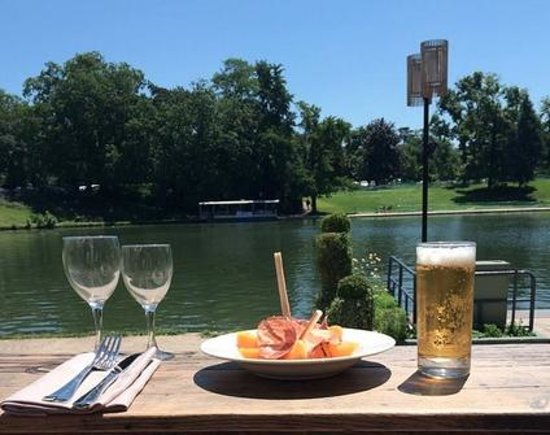 le chalet des iles paryż zdjęcie ready for lunch lake side tripadvisor