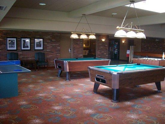 Auburn Place Hotel & Suites: rec area