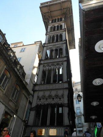 Aufzug zum Bairro Alto