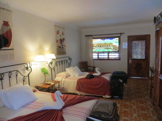 Hotel Hacienda Uxmal Plantation & Museum : Cozy Rooms