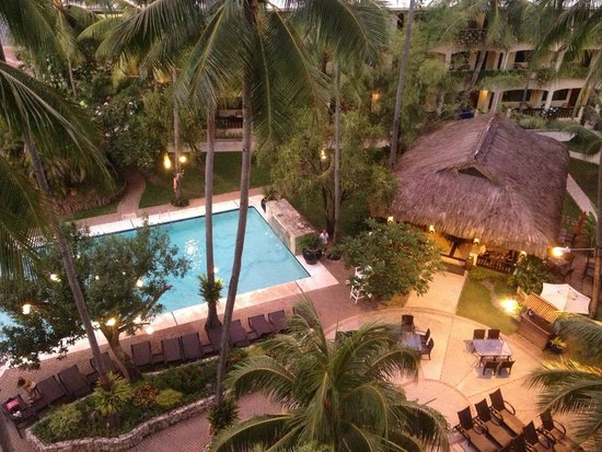 Costabella Tropical Beach Hotel: Вид из номера