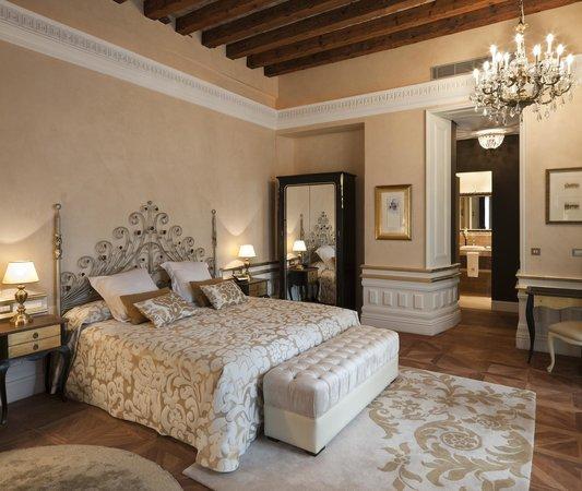 Hotel Casa 1800 Sevilla : Suite 1800 con terraza y jacuzzi