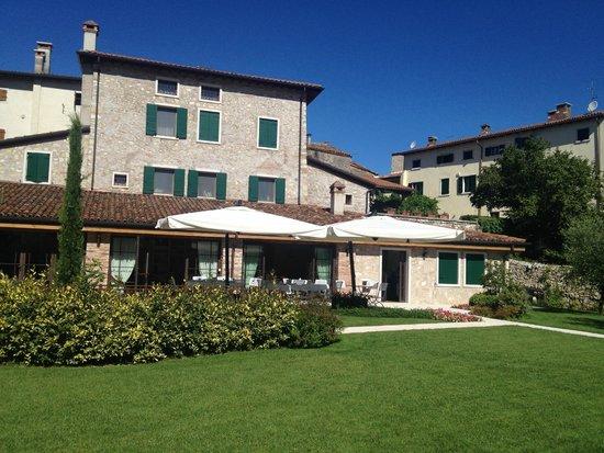 Agriturismo Antico Casale Bergamini: Breakfast Terrace