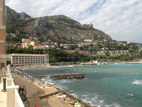 Monte-Carlo Bay & Resort : View from the garden/lagoon