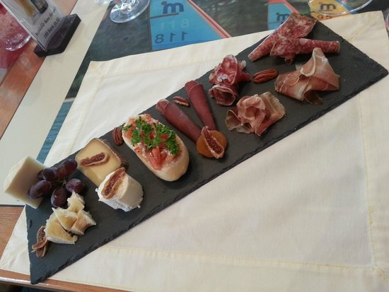 Wine Cellar Pattaya: Our famous chesse & cold cuts platter