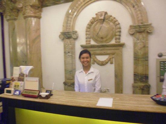 Hanoi Meracus Hotel 1: Alice in reception